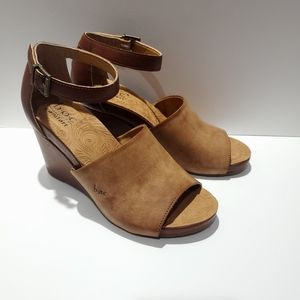 boc Shoes - NEW B.O.C. Kali Wedge Sandal   Sz 8